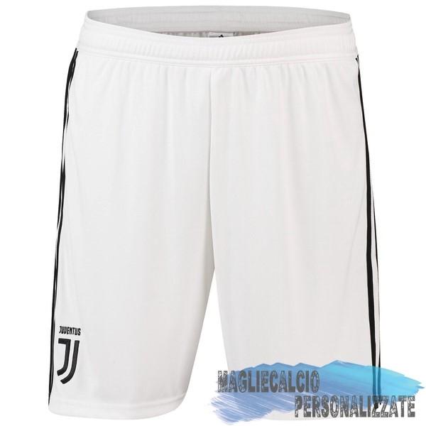 3660e1f5340492 Maglie Calcio Store adidas Home Pantaloncini Juventus 18-19 Bianco