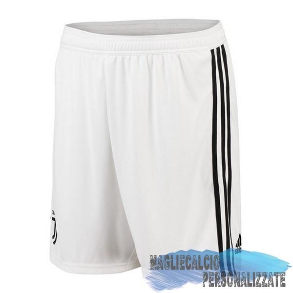5f6ef66ba2847e ... Maglie Calcio Store adidas Home Pantaloncini Juventus 18-19 Bianco ...